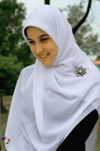 Muslim-Girl-in-White-Hijab