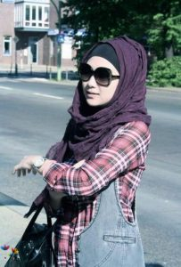 Beautiful-Scarf-And-Hijab-Styles-Trend-Collection-2013-For-Women-04