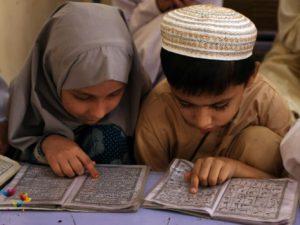enfants-lisent-coran